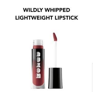 Buxom Devious Dolly Wildly Whipped Lightweight